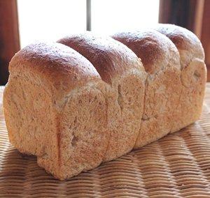 画像1: 天然酵母の全粒粉食パン(2斤)